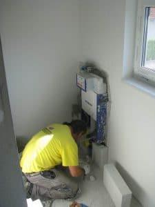 Prenova kopalnice, obzidava kotlička