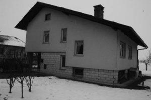 Hiša potrebna prenove - fasada