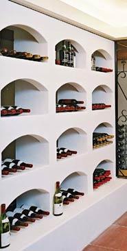 Regali in stojala za vinske steklenice