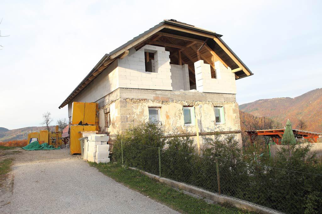 Prenova 300 let stare hiše