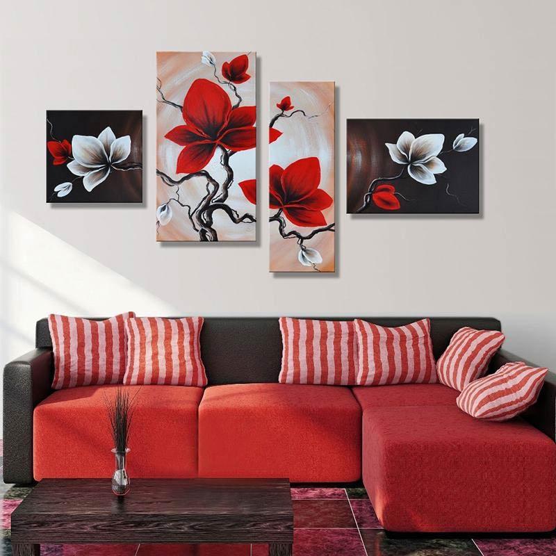 Pravilno razmeščene slike na steni dnevne sobe